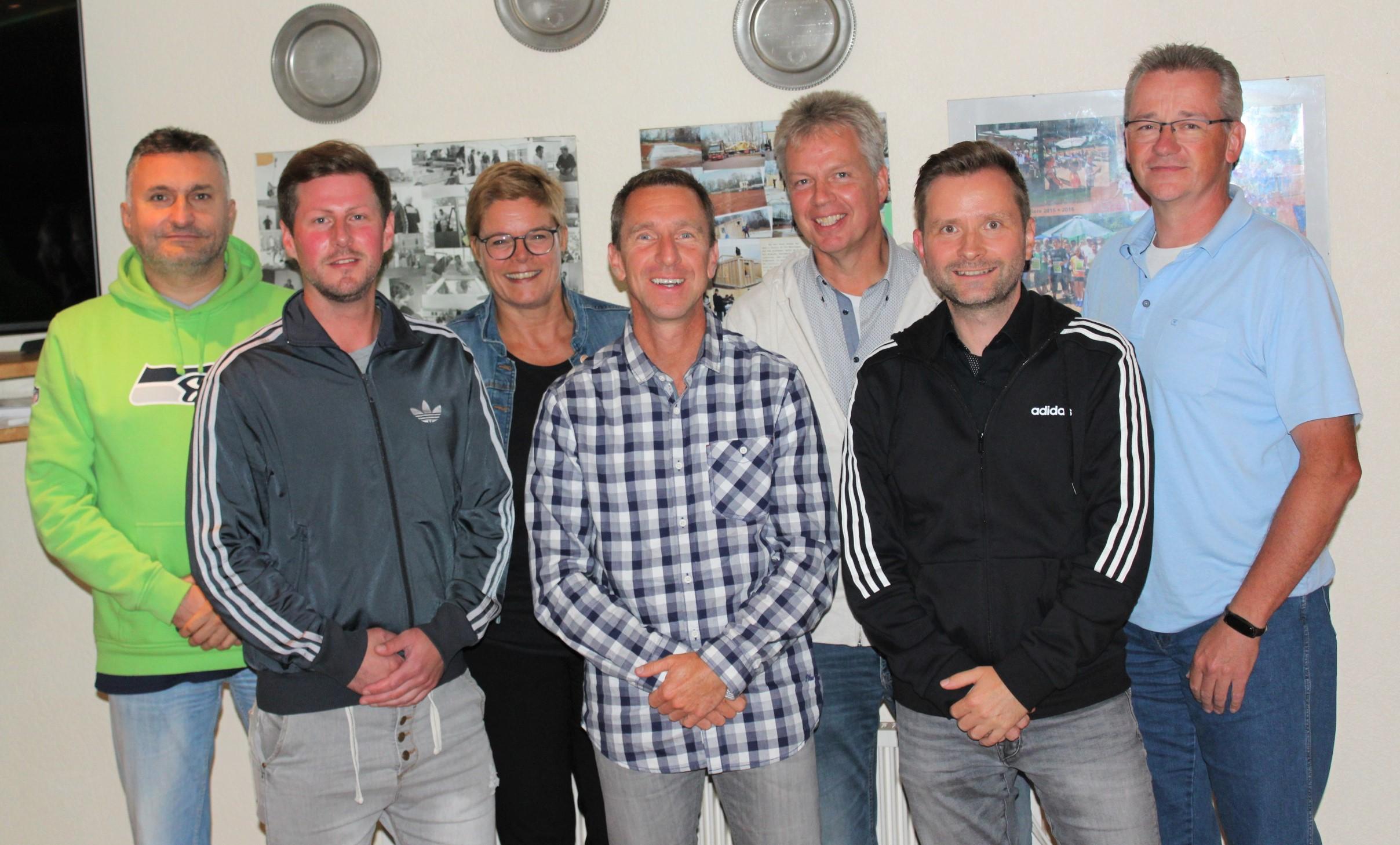 v.l.n.r.:  Rene Fröhlich, Benjamin Baris, Barbara Schieke, Lars Geveke, Dirk Hinrichs, Uwe Pierdziwol